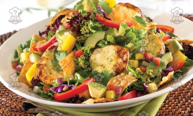 Izgara Piliç Eti Salatası